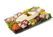 Het salade assortiment is zeer divers, naast vlees nemen ook vis en vegetarisch een steeds grotere plaats in