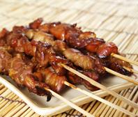 Buiten eten bereiden is een niet meer weg te denken trend door de verbeterde barbecues zoals de green egg.